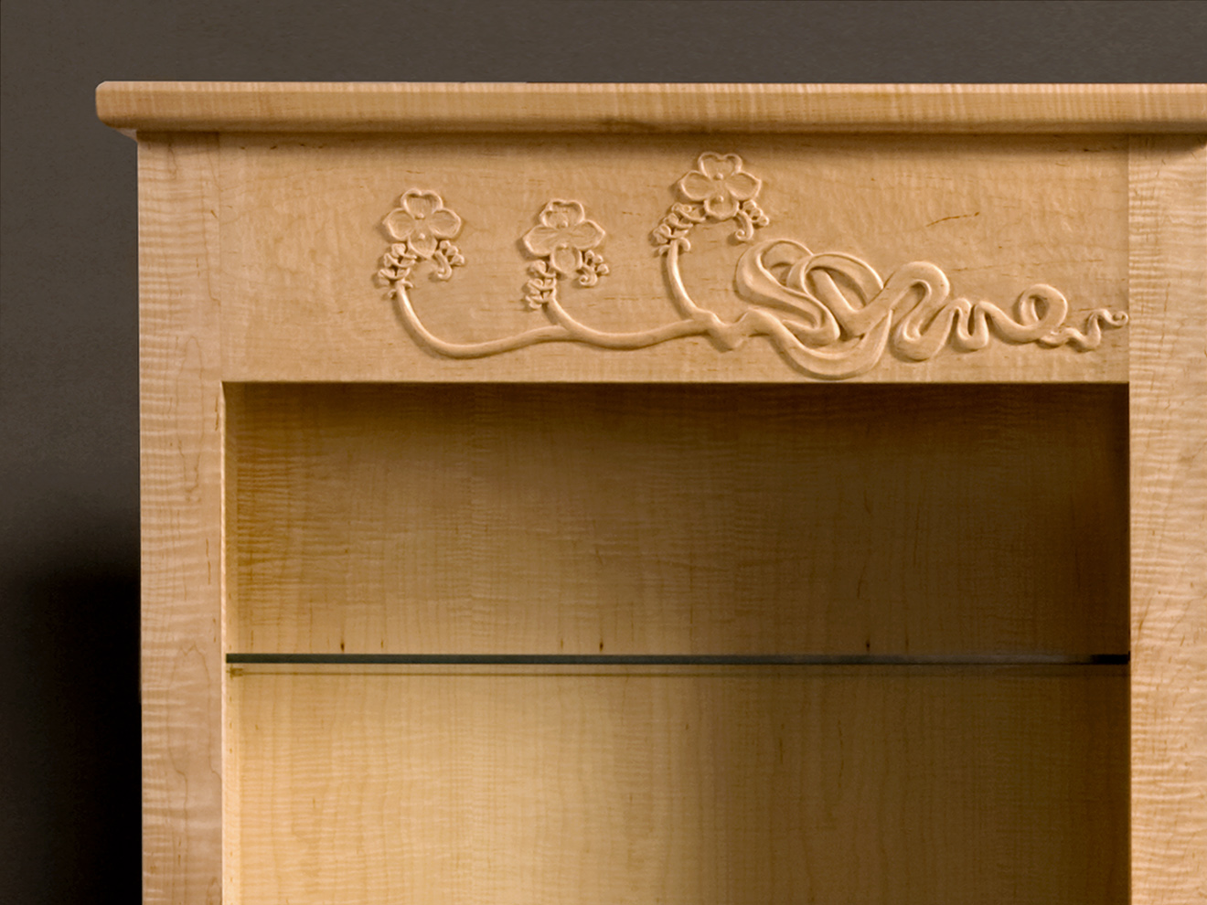 Twin Display Cabinet, carving detail, by Tom Lederer