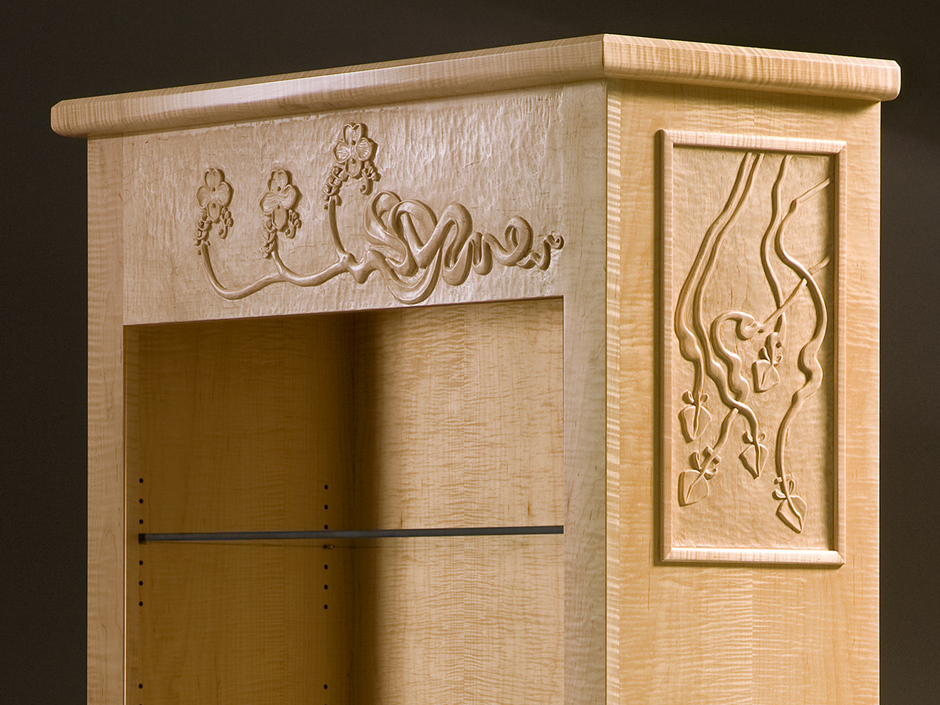 Twin Display Cabinet, detail view, by Tom Lederer